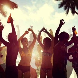 Geniet van het nachtleven tijdens je stage op Curacao